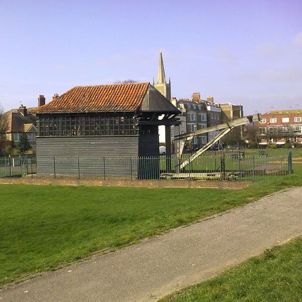 Harwich Treadwheel Crane